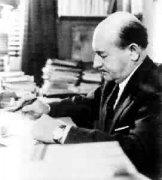 意大利诗人夸齐莫多出生