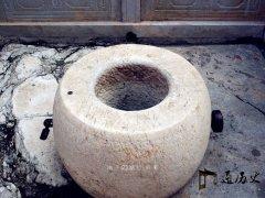 守着故宫内80口水井,却无人敢喝,只得挑水过日子,为什么?