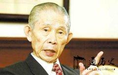 除了李嘉诚霍英东,他的成就也傲视华人界,去世前捐一个亿给汶川